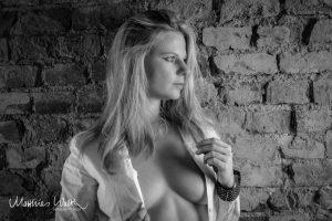 Erotikfotoshooting bluse Fotograf Hannover 2