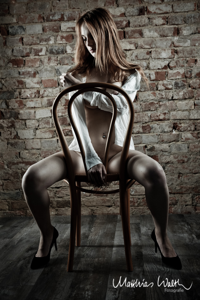 junge Frau offene bluse Fotostudio Hannover 1